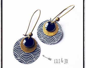 Japanese collection: rondsmotifs japane and black enamel earrings