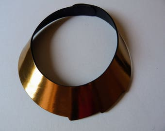 Emma gold-leather design necklace