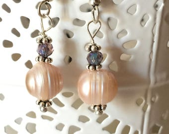 Classic pink freshwater pearls earrings