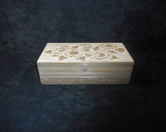 """Box made of poplar wood with finish ancient technique / Piece of unique """""""""""