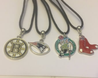 4 new england sports necklaces