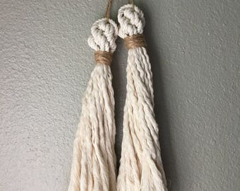 Cotton and Jute Crown Tassel
