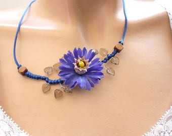 Flower necklace blue leaf glass