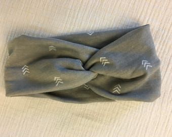Gray/White/Arrow twist turban headband