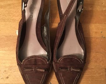 Vintage brown suede George pointy toe, contrast stritched, sling back pumps. Size7.5