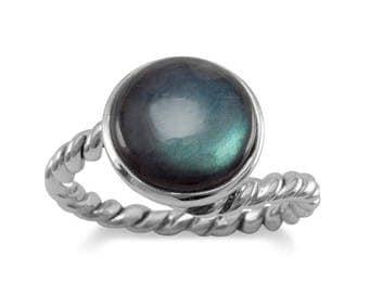 Labradorite Ring with Twist Band