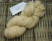 Worsted Weight Yarn semi solid dyed with Coffee (100% Peruvian Highland Wool)