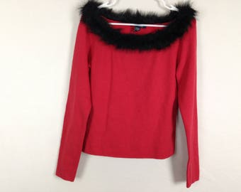 Red n black fuzzy top size M