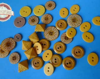 35 round and square buttons (plamier egg) corrozo ochre mustard yellow