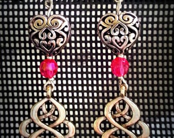 Fancy earrings heart of the East, heart and bow oriental antique silver metal, pink acrylic beads