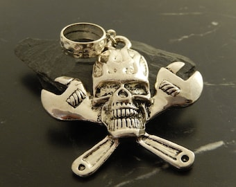 1 skull charms