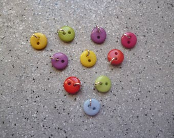 10 charms buttons 9 mm resin
