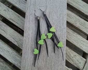 Dangling earrings - earrings in inner inner and green hearts beads - fancy - long earrings