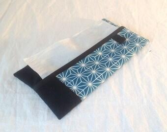 Tissue holder, thick fabric