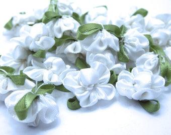 38 textile roses white 34mm x 23mm