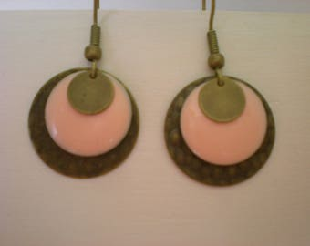 Flesh pink sequins and bronze round earrings