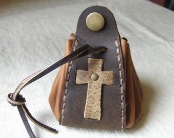 Purse medieval gold-brown leather hand stitched.