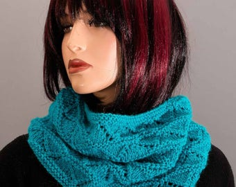 Cowl, snood, Choker, turquoise, hand made.