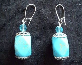 Pendant with glass bead and large turquoise bead earrings