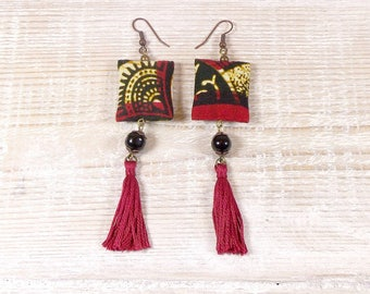 Ethnic earrings red beige black African glass beads, tassel, tones fabric