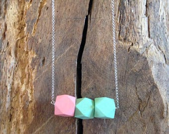 """Tropical"" trendy necklace wood beads"