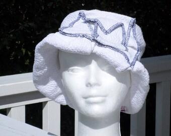 chapeau de soleil d'été femme blanc et bleu création lin'eva