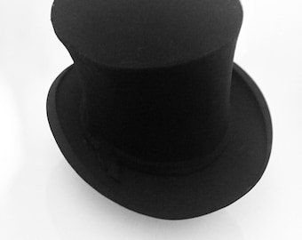 Top Hat / Silk Collapsible Opera Hat.