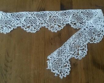 Antique openwork white cotton lace