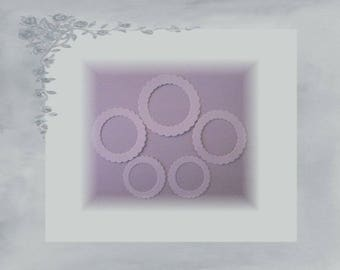 LPPO-0002 - scalloped round frame 230gr paper cuts - white