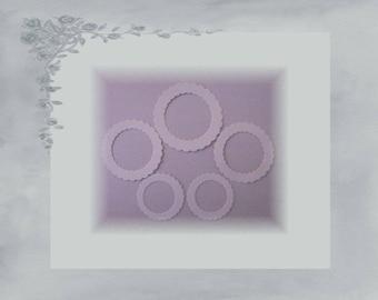 LPPO-0002 - scalloped round frame 230gr paper cuts - white