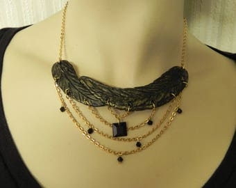 ELEGANT POLYMER CLAY NECKLACE AND GOLDEN METAL CHAINS
