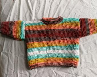 Pull naissance multicolore tricoté main