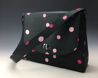 Sleek and Chic satin purse in vintage dot