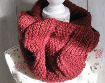 woman wool Burgundy mohair snood