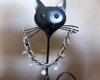 Chain bracelet with dangle rhinestone