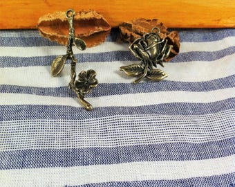 2 charms pendants mixed 1 branch and 1 pink, bronze