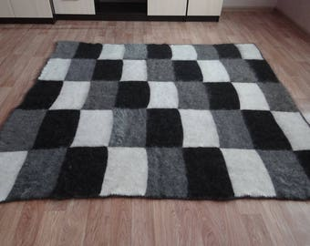 """A large down plaid, a blanket, a blanket - """"As a present"""""""