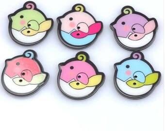 Set of 5 resin bird buttons