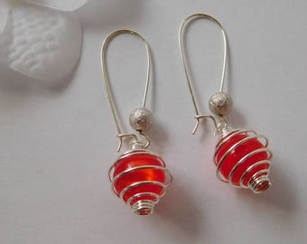 """Cage"" red Pearl Stud Earrings"