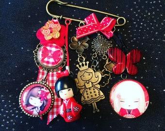 Kokeshi theme brooch