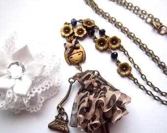 Necklace articulated doll, leopard, bronze flowers and charcoal Crystal organza