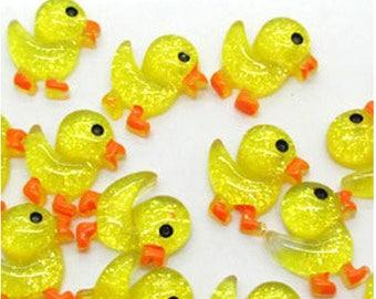 5 x cabochon resin - little yellow ducks