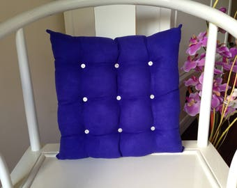 Cushion upholstery purple mother of Pearl buttons
