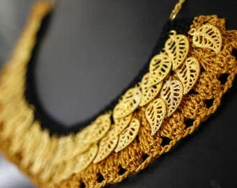 "Ethnic Chic necklace crochet pattern ""Golden Autumn sleeves and dark"""