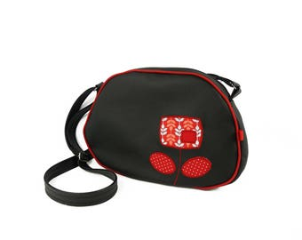 """Pebble"" black and Red shoulder bag"