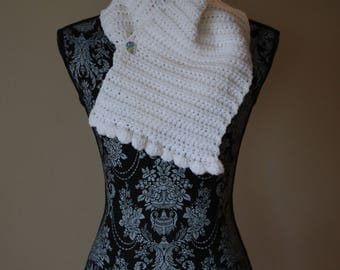 White Shell Cowl