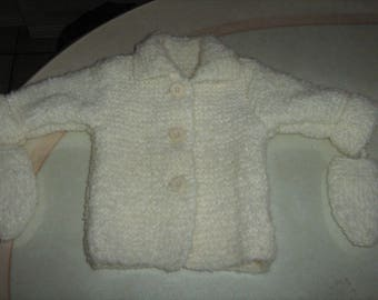 New hand knitted girl mittens and jacket