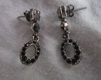 Retro Black & White Rhinestone Petite Dangle Pierced Earrings