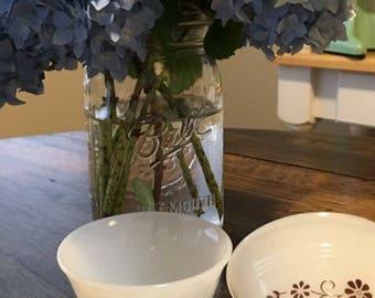 Milk glass brown daisy dessert cups