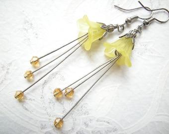 Yellow Stud Earrings 'Pearl ' flowers yellow acrylic